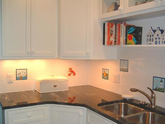 Ceramic Tile Kitchen Backsplash